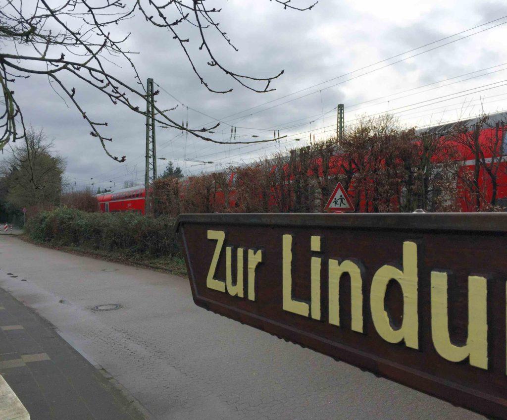 lindung-regionalexpress-gleise-schulweg-kita-grundschule-weg-spielplatz-schallschutz-angermund-initiative