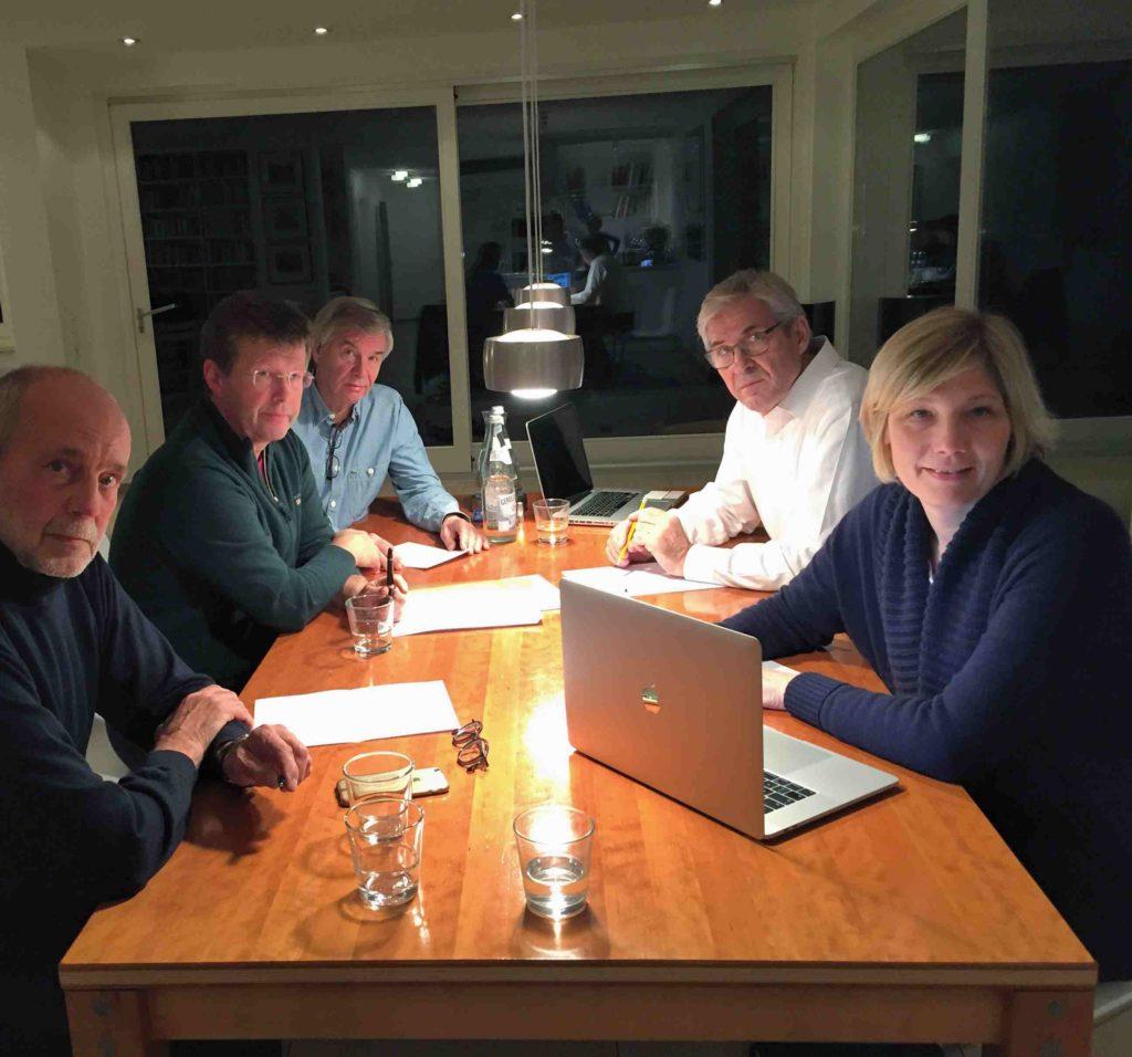 Tisch-Sitzung-Vorstandmitglieder-austmeyer-weidmann-eggerath-kleinofen.wagner-besprechnung-angermund-nikolausmarkt-organistorisches